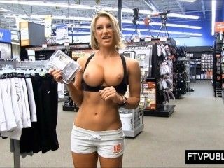 Muscle Girl Flashing In The Mall
