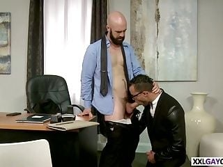 Nerdy Assistant Gives Head