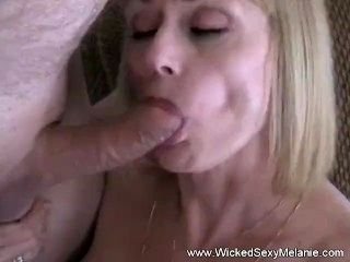 Double Blowjob From Amateur GILF (3)