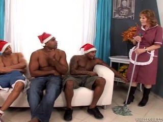 An Interracial Sex For A Cock Thirsty Granny