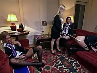 British slut Samantha in a lesbian foursome