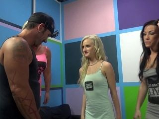 Two Blondes And A Brunette Get Their Twats Banged Hard In Group Sex Clip (2)