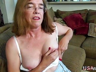 USAwives Old Grandma Carmen Hairy Pussy Fingering (5)