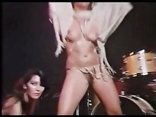 2 Sexy Glamourgirls Vintage Striptease In A Night Club 4