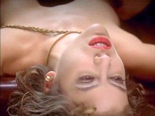 067 Alyssa Milano - Embrace of the Vampire (nude on bed)