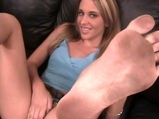 Kinzie Kenner Dirty soles