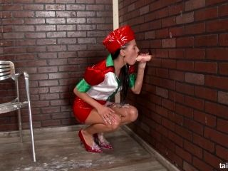 Bimbo In Leather Clothes Sees A Gloryhole Dick And Goes All Messy