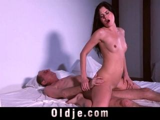 18 Years Old Sweet Girl Wild Rimming Balls Licking For Old Cock (4)