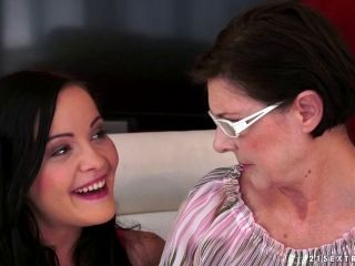 Saggy Granny Gets Licked And Fingered By A Teenage Lesbian (2)