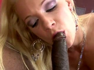 Kinky chick Heidi Mayne takes a big black cock up her poop chute