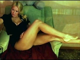 Blonde Housewife Foot Show