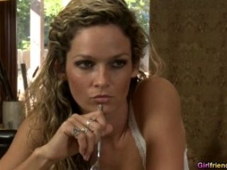 image Prinzzess digs her fingers deep inside