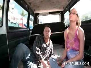 Amateur Teen Girl convenció follando en Bus