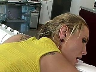 Alanah Rae Got Her Pussy Drilled Doggie As Her Enormous Ass Bounced...