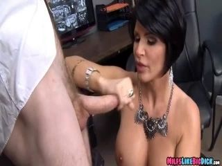Cougar Gets Some Dick At The Casino (2)
