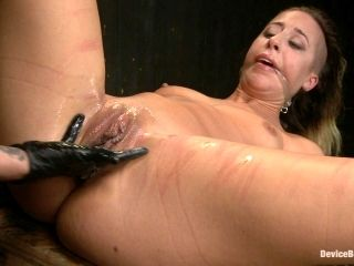 BDSM whore gets off with bondage session