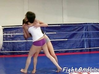 Smalltits Dyke Fingered By After Wrestling  (4)