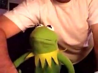 Kermit Reaction To Two Girls One Cup