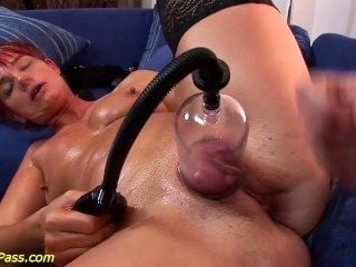 Moms Extreme Anal And Pumping Lesson (4)