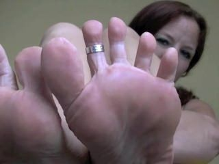 Annabelle Flowers sexy soles