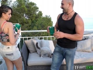Naive Brunette Bimbo Gets A Pussy Drilling On The Balcony