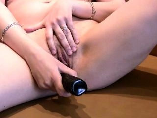 Hot Close-Up Pussy Rubbing And Toying (4)
