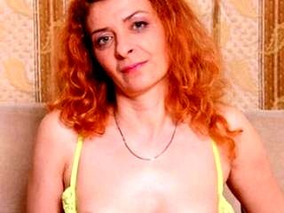MILF elegante fa pompino rough and ready