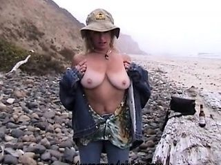 Busty Real Amateur Mature Outdoor Fucked Hard