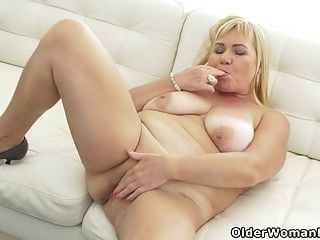 Busty grandma Pem loves stuffing her old pussy with dildo (3)