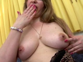 Mature Chubby In Stockings Fingering Her Juicy Pussy On Sofa