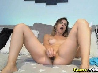 Sexy Chick Gets Her Pussy So Wet (16)