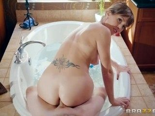 Brazzers - Never Interrupt Mommy Time (2)