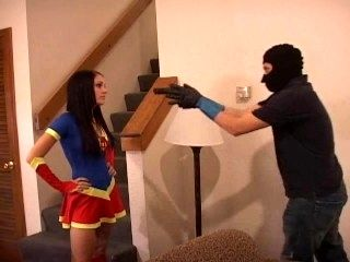 Superheroine Vs Thief