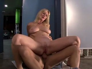 Milf Couldnt Pay For Her Gas  Watch Part2 on SLUT9.COM.mp4