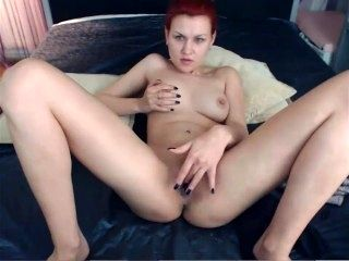 camgirl BB 25 (Angie) nude, smoking, fingering, dildo, playing 040417 42m