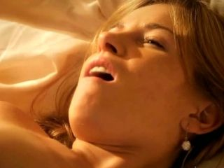 Luscious Babe Getting Her Pussy Fucked Missionary Style