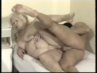 Chubby Mature Babe Coping With A Steady Cock In Bed Hardcore (2)