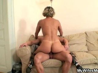 Hot Mother In Law Enjoys Cock Riding (3)