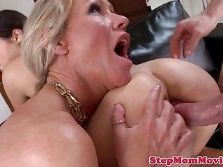 Glamorous Taboo Stepmom Pussylicks During Sex (3)