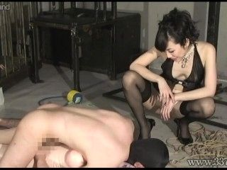 Japanese femdom Hijiri training a pervert man to do tricks (2)