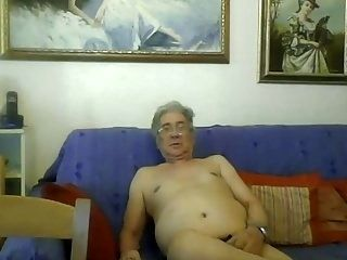 Grandpa Show On Webcam (20)