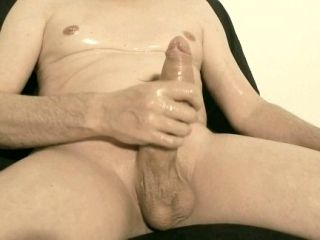 Robin Jerks His Shaved Oiled Uncut Monstercock 145 (2)