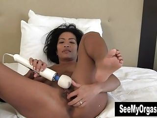 Exotic Tia Vibrating Her Cooter (4)