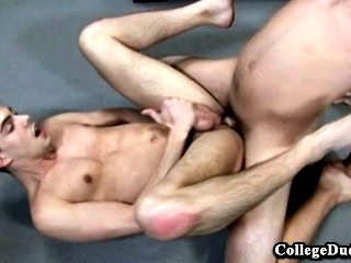 College Dudes - Tommy Defendi folla Beau Tucker