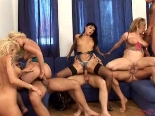 Four Horny Girls Get Fucked At The Amazing Creampie Orgy