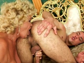 Insatiable Granny Gets Her Pussy Eaten And Fucked Hard