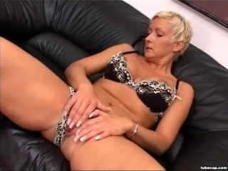 Blonde Mature Having Cunt Fisted Hard (10)