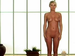 Sara Underwood naked yoga (3)