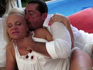 Cougar With Big Tits Riding A Cock In A Matured Sex