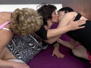 Enchanting Mature Ladies Going Lesbian With Their Teenage Friend